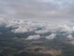 Город золотой -- Брест. Зонд прошёл нижнюю облачность, подлетает в слою верхней.
