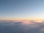 Зонд входит в облака.